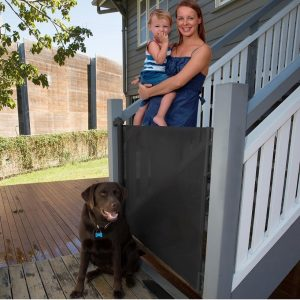 retractable gate with dog